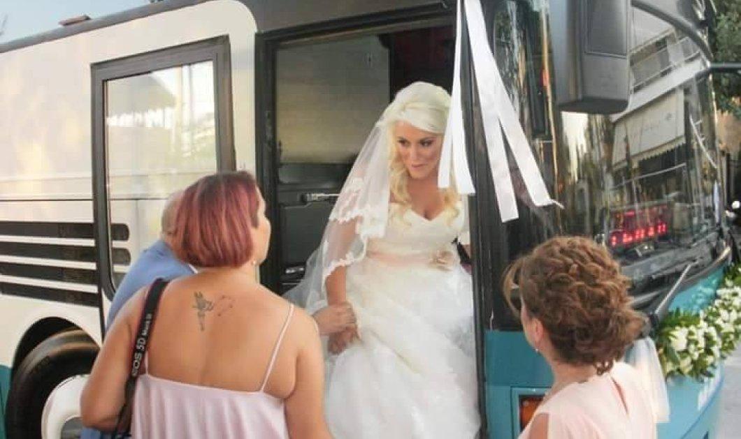 Η όμορφη ξανθιά νύφη  από τη Λαμία πήγε στην εκκλησία συνοδευόμενη από 20 λεωφορεία του ΚΤΕΛ (φωτό) - Κυρίως Φωτογραφία - Gallery - Video