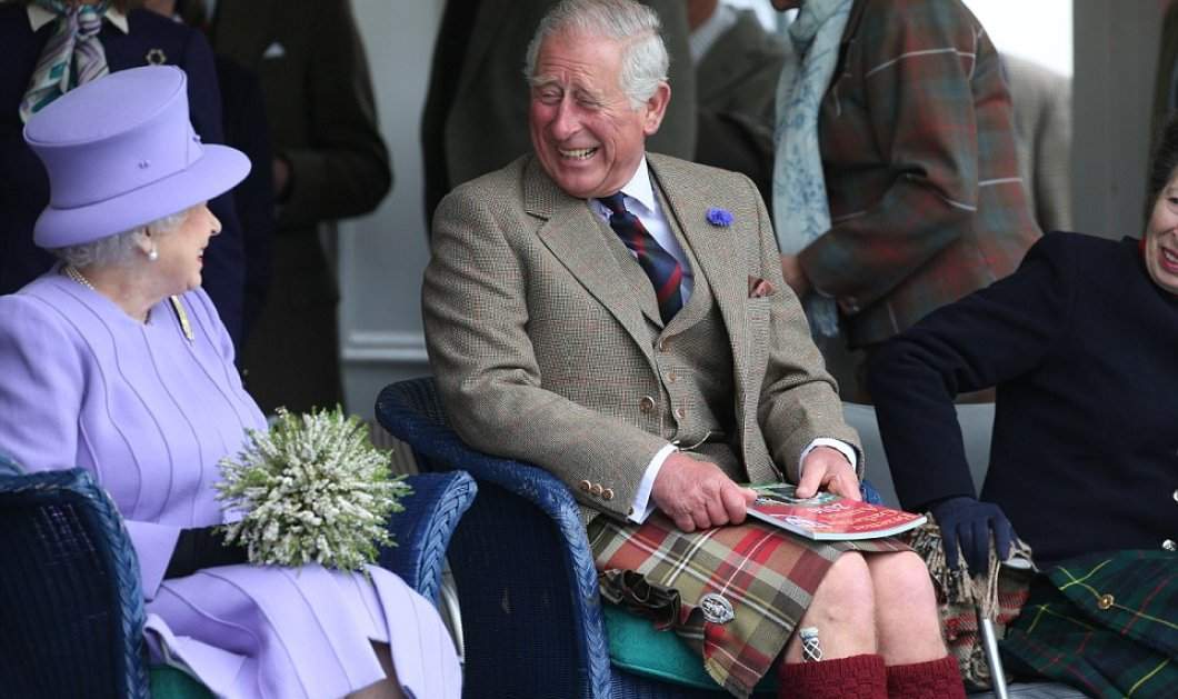 Το καλύτερο μου! Βασίλισσα Ελισάβετ με  μωβ (:έντονο) συνολάκι - καπελάκι & ο Κάρολος με φούστα να ξεραίνεται στα γέλια - Κυρίως Φωτογραφία - Gallery - Video