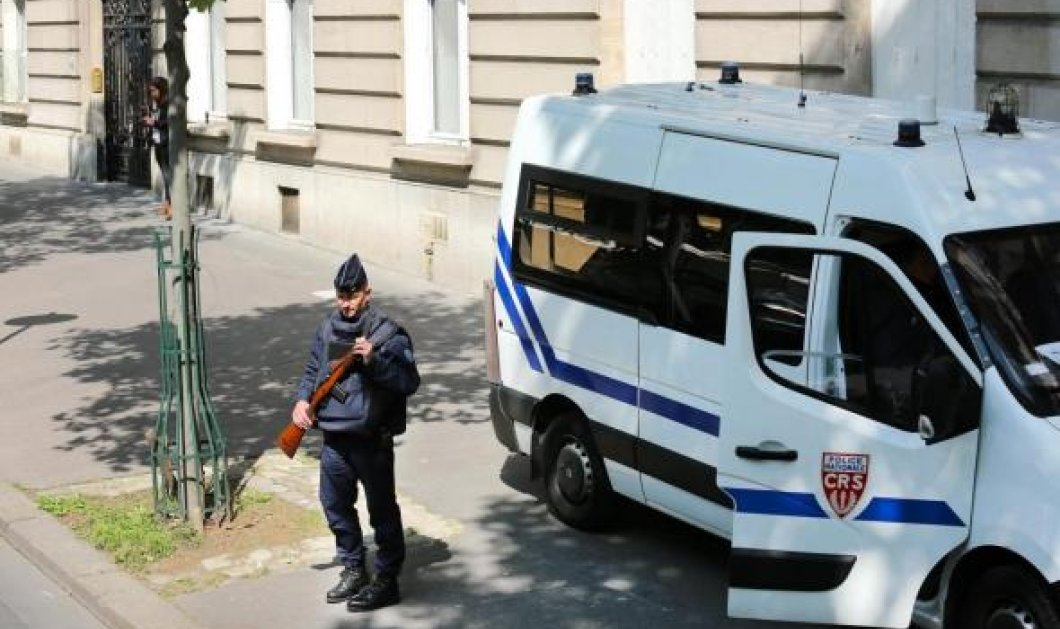 Παρίσι - Ραγδαίες εξελίξεις: Οχυρωμένος στο σπίτι του ο δράστης του αιματηρού επεισοδίου στο super market - Κυρίως Φωτογραφία - Gallery - Video
