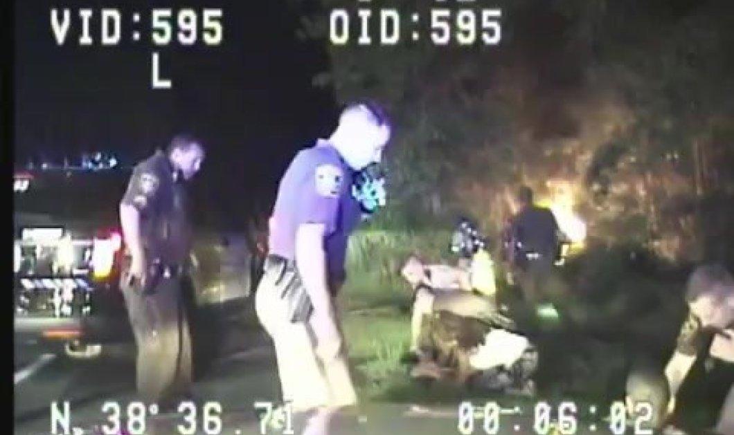 Συγκλονιστικό: Οι αστυνομικοί έσωσαν μια μητέρα και τα δύο της παιδιά από φλεγόμενο αυτοκίνητο - Δείτε το βίντεο - Κυρίως Φωτογραφία - Gallery - Video
