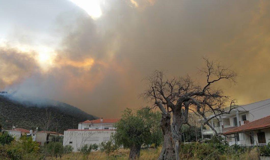 """""""Πύρινη κόλαση"""" στη Θάσο - Για 2η ημέρα ανεξέλεγκτη η μεγάλη πυρκαγιά - Κάηκαν 13 σπίτια, απειλούνται χωριά - Κυρίως Φωτογραφία - Gallery - Video"""