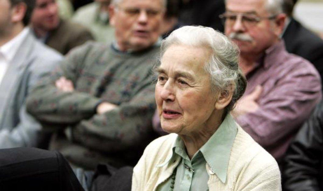 """87χρονη γιαγιά ναζί ξανά μπαίνει στη φυλακή: Αρνείται το Ολοκαύτωμα & ονομάζει """"στρατόπεδα εργασίας"""" το Άουσβιτς    - Κυρίως Φωτογραφία - Gallery - Video"""
