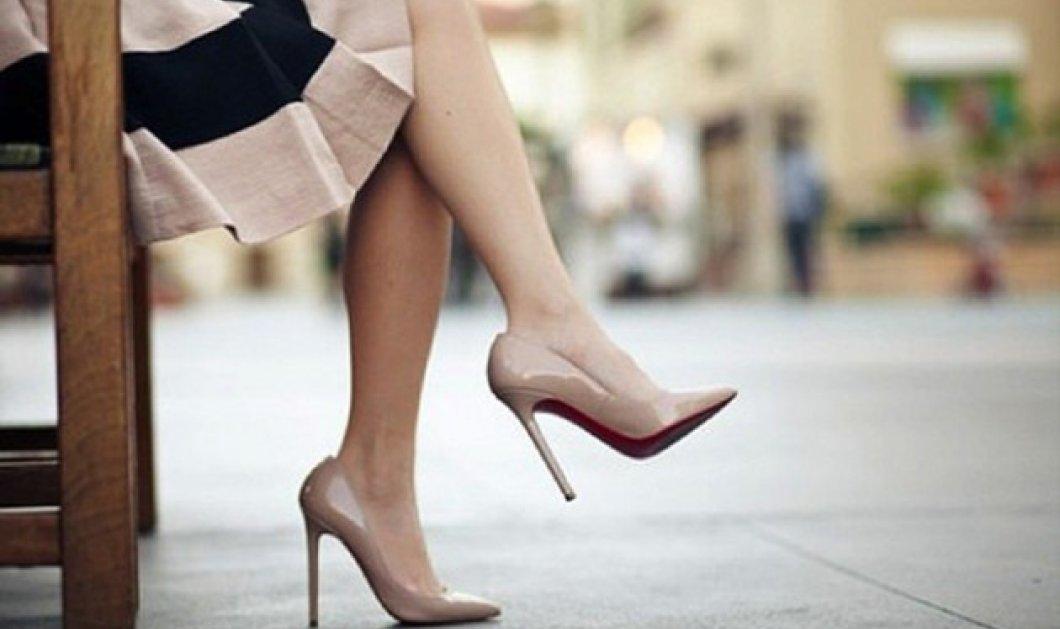 Νέα έρευνα:  9 στις 10 Αγγλίδες έχουν δεχτεί πίεση για να πηγαίνουν στη δουλειά με μίνι & ψηλοτάκουνα - Κυρίως Φωτογραφία - Gallery - Video