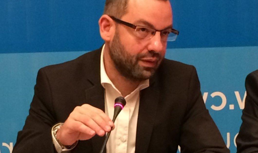 Γ. Χριστοφορίδης: Τι έκαναν οι δημοσιογράφοι με τις περούκες και πως πλαστογράφησαν το όνομα μου   - Κυρίως Φωτογραφία - Gallery - Video