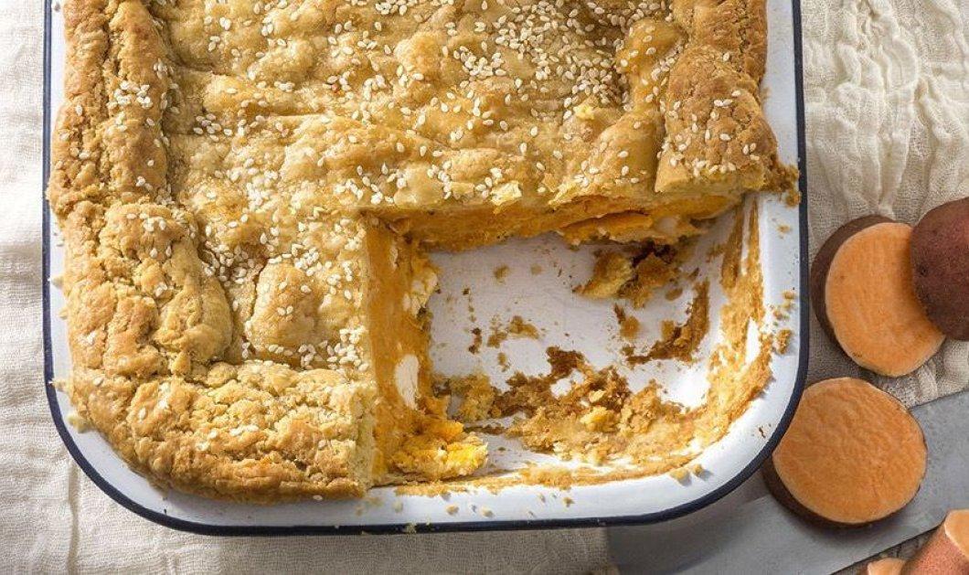 Ο Άκης Πετρετζίκης στα κέφια του: Μας φτιάχνει πίτα με γλυκοπατάτα και φέτα   - Κυρίως Φωτογραφία - Gallery - Video