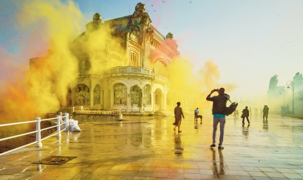 Απίθανο βίντεο: Γέμισαν ένα παλιό καζίνο με μπαλόνια γεμάτα glitter και έπειτα τα... έσκασαν! Δείτε το αποτέλεσμα  - Κυρίως Φωτογραφία - Gallery - Video