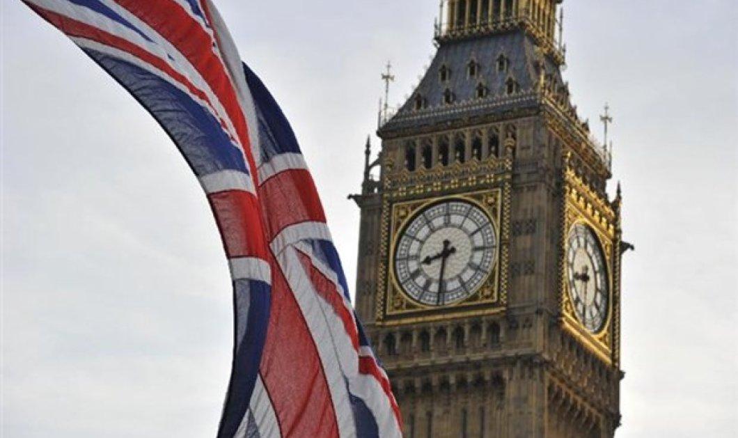 Η Telegraph αποκαλύπτει τι θα γίνει με τους Ευρωπαίους που εργάζονται στη Βρετανία μετά το Brexit - Κυρίως Φωτογραφία - Gallery - Video