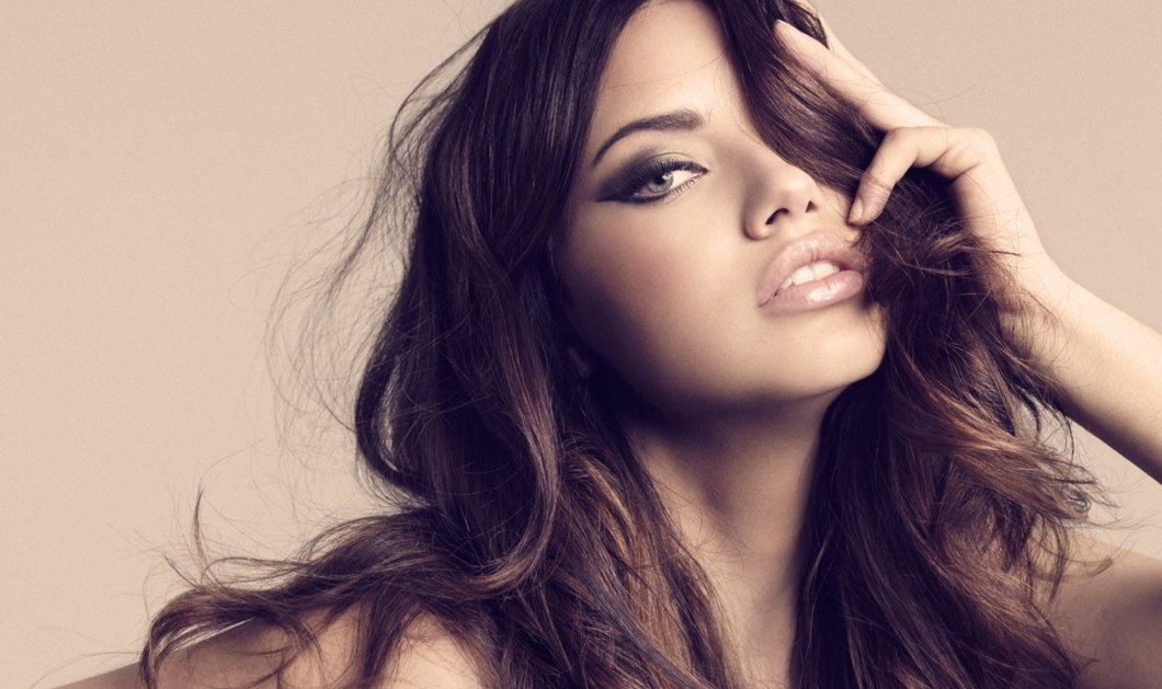 Aυτό είναι το μυστικό της Adriana Lima για υγιή μαλλιά: Βρίσκεται στην κουζίνα μας & υπόσχεται θαύματα - Κυρίως Φωτογραφία - Gallery - Video