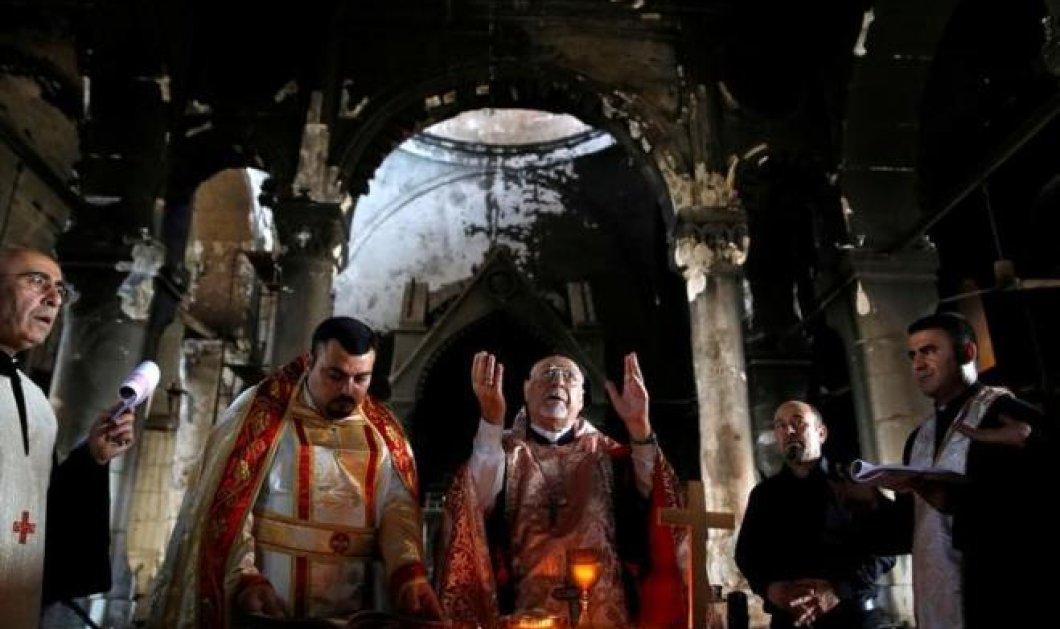 Οι καμπάνες της μισοκαμένης Χριστιανικής εκκλησίας κοντά στη Μοσούλη ήχησαν και πάλι - Ελεύθερη από τα χέρια του ISIS - Κυρίως Φωτογραφία - Gallery - Video