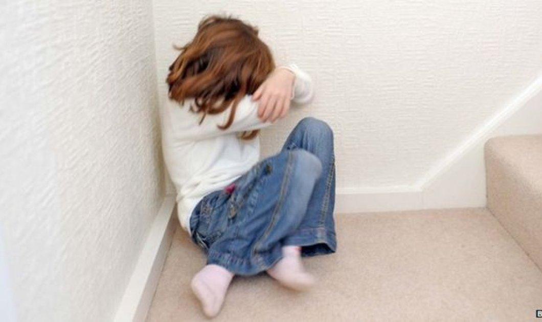 Φρίκη: Ιερέας βίαζε την 5χρονη κορούλα τους - Οι ζωγραφιές της τα αποκάλυψαν όλα - Κυρίως Φωτογραφία - Gallery - Video