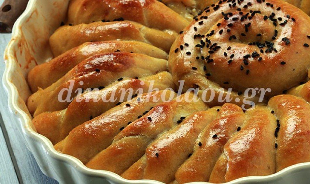 Η Ντίνα Νικολάου σε συνταγή - άλλο πράγμα: Κρουασανόπιτα αλμυρή με γέμιση τυριού  - Κυρίως Φωτογραφία - Gallery - Video