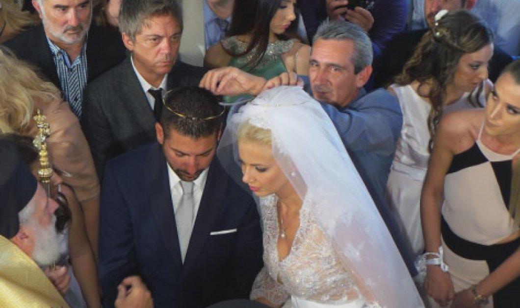 Μύκονος: Ο γάμος της ''γαλάζιας'' υποψήφιας των Κυκλάδων άφησε εποχή - Το παραμυθένιο νυφικό, οι εκλεκτοί καλεσμένοι & το «Ξύλο» στο γαμπρό - Κυρίως Φωτογραφία - Gallery - Video