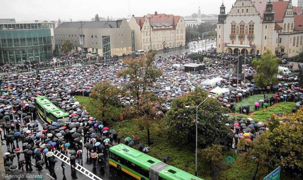 Μεγάλη νίκη για τα δικαιώματα των γυναικών: Στοπ στην απαγόρευση των αμβλώσεων από το Πολωνικό Κοινοβούλιο - Κυρίως Φωτογραφία - Gallery - Video