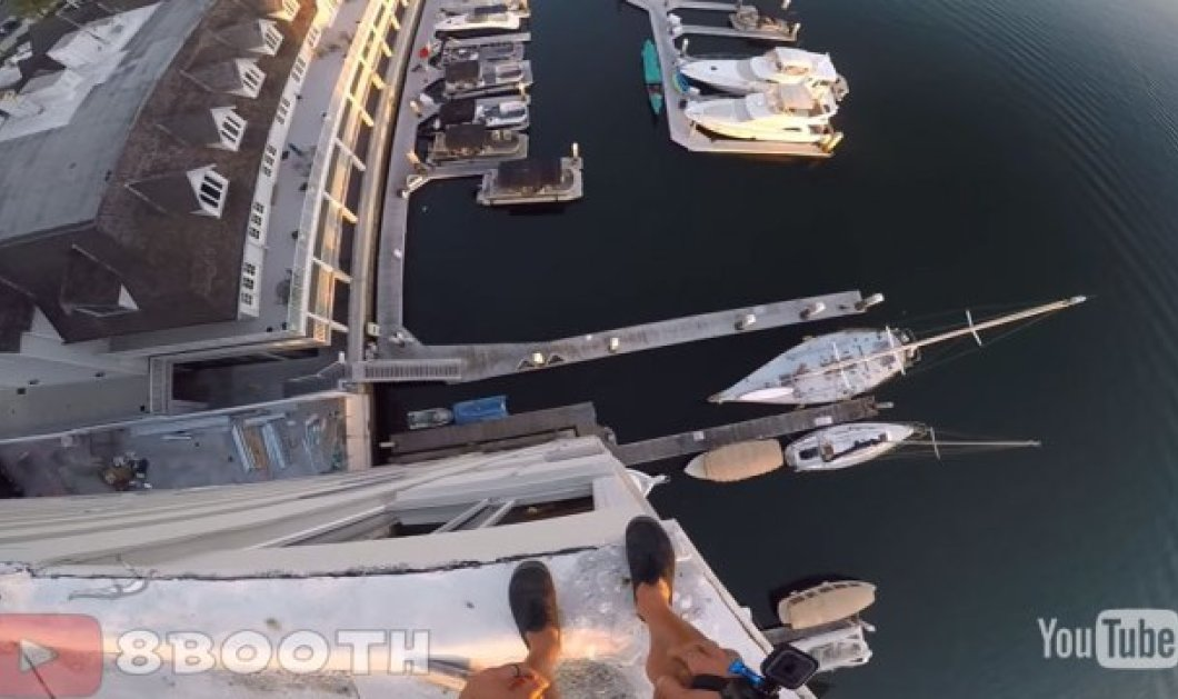 Βίντεο για αδρεναλίνη στα ύψη: Ατρόμητος νεαρός πηδάει από κτίριο 8 ορόφων & προσγειώνεται στο νερό - Κυρίως Φωτογραφία - Gallery - Video