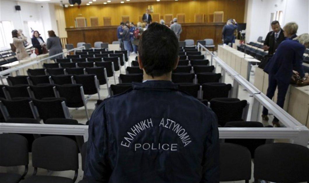 Πανικός & οριστική διακοπή της δίκης για τη Χρυσή Αυγή - Αποχώρησε η Έδρα  - Κυρίως Φωτογραφία - Gallery - Video