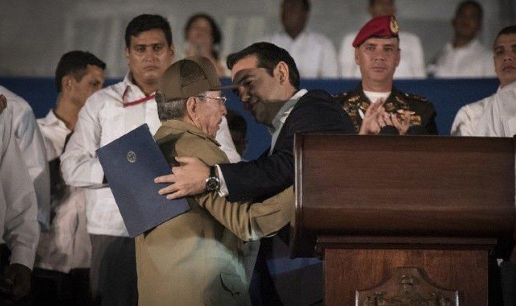 Ο επικός διάλογος Ραούλ Κάστρο με Τσίπρα: Τι κάνει ο γιος σου ο Ερνέστο;  - Κυρίως Φωτογραφία - Gallery - Video