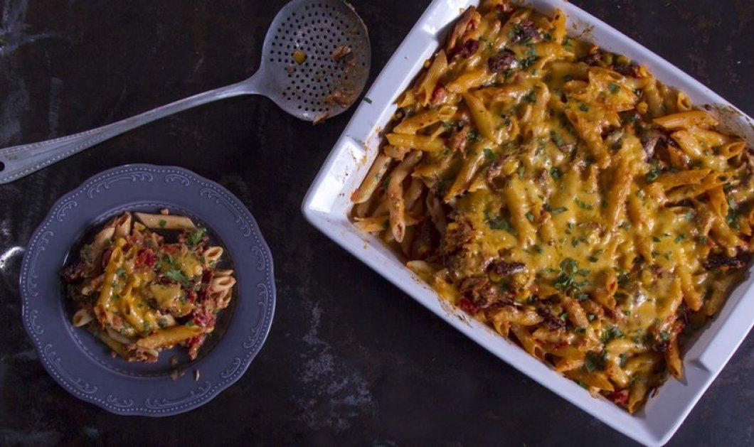 O Άκης σε συνταγή με άρωμα... Ιταλίας: Ριγκατόνι με τόνο και λιαστές ντομάτες στον φούρνο - Κυρίως Φωτογραφία - Gallery - Video