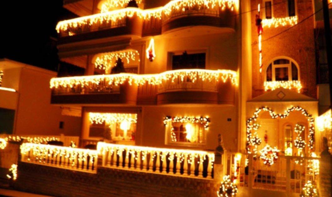 """Βίντεο: Το πιο εντυπωσιακά στολισμένο σπίτι στην Ελλάδα """"επέστρεψε"""" και αυτά τα Χριστούγεννα - Κυρίως Φωτογραφία - Gallery - Video"""