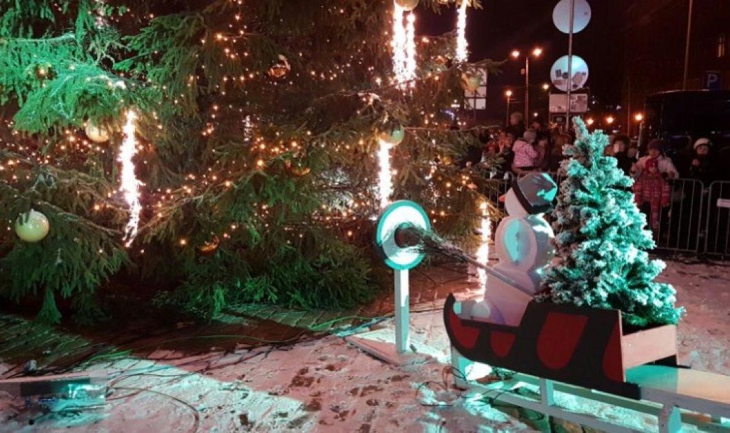 Βίντεο: Ένας παιχνιδιάρικο και εντυπωσιακό τρόπο επέλεξαν στη Ρίγα της Λετονίας για να  κηρύξουν την έναρξη των Χριστουγέννων - Κυρίως Φωτογραφία - Gallery - Video