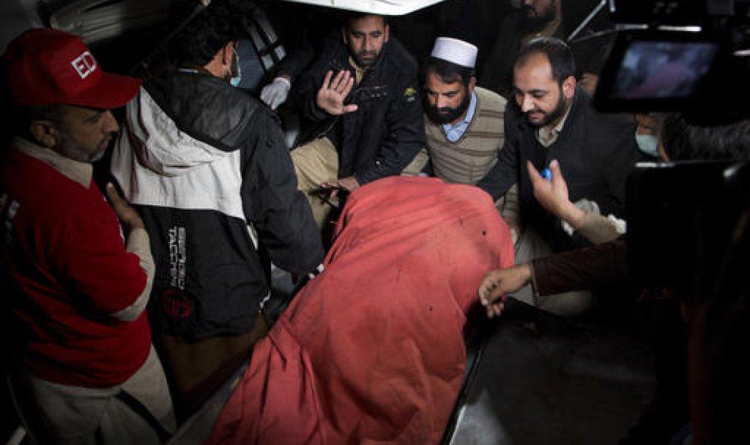 Τραγωδία στο Πακιστάν: Νεκροί  & οι 48 επιβαίνοντες του μοιραίου αεροσκάφους της ΡΙΑ - Κυρίως Φωτογραφία - Gallery - Video