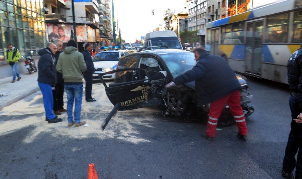 Συγκλονίζουν οι φωτό από το τροχαίο στην Συγγρού: 6 τραυματίες σε κρίσιμη κατάσταση - Κυρίως Φωτογραφία - Gallery - Video