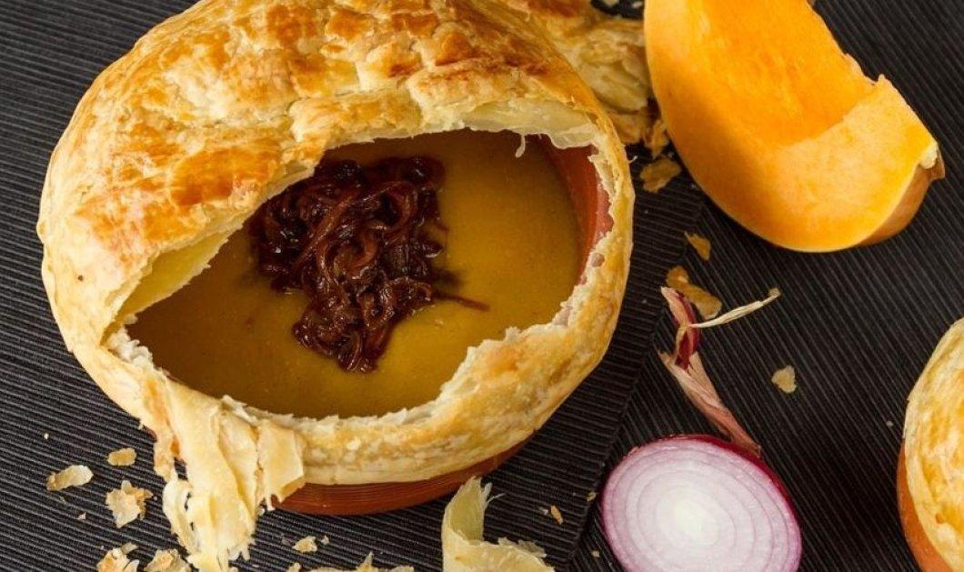 O Άκης μπαίνει στην κουζίνα & μας φτιάχνει πιάτο γιορτινό: Σούπα κολοκύθας με φύλλο σφολιάτας - Κυρίως Φωτογραφία - Gallery - Video