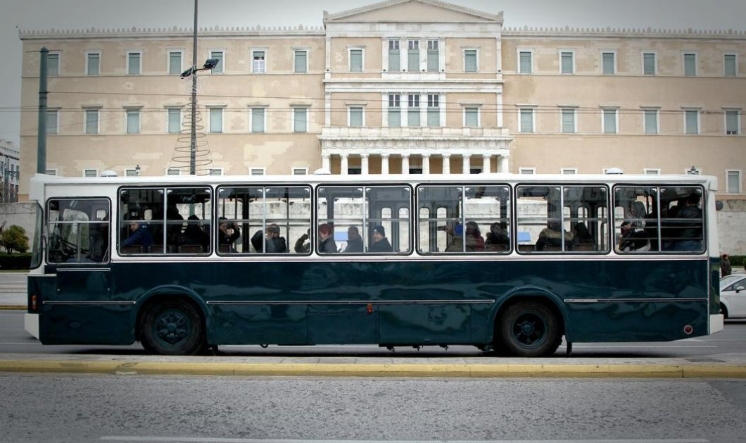 Good news: Το θρυλικό «πράσινο» λεωφορείο του Πειραιά έκανε μια ακόμα βόλτα σους αγαπημένους του δρόμους - Κυρίως Φωτογραφία - Gallery - Video