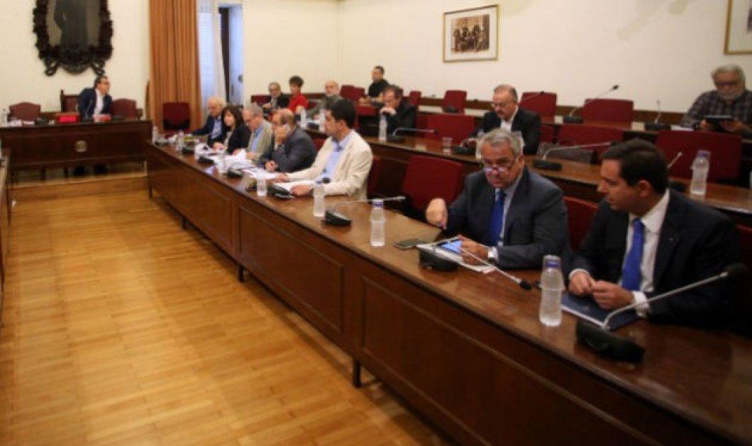 Live η συνεδρίαση της εξεταστικής επιτροπής για τα θαλασσοδάνεια σε κόμματα και ΜΜΕ   - Κυρίως Φωτογραφία - Gallery - Video