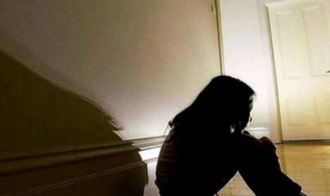 Απίστευτο! Το Χαμόγελο του Παιδιού πληροφορεί: Η μητέρα που κακοποίησε το 3χρονο αγοράκι ήταν στα 11 της θύμα του πατέρα της   - Κυρίως Φωτογραφία - Gallery - Video