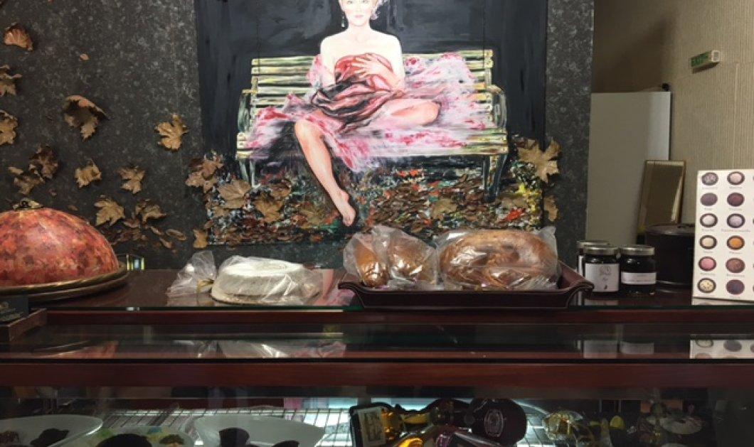 """Μπαρμπαρήγου Truffles: Το ζαχαροπλαστείο που """"ζωγραφίζει"""" 20 διαφορετικές τρούφες & φτιάχνει cookies -γλυπτά - Κυρίως Φωτογραφία - Gallery - Video"""