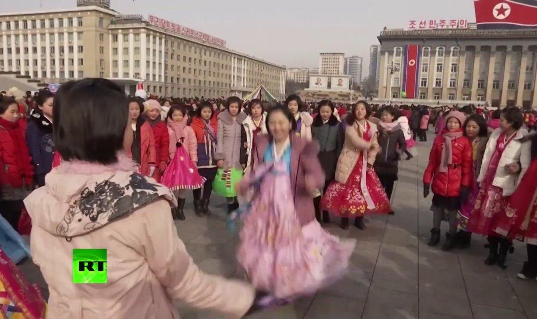 Στη Βόρεια Κορέα ακόμα και η πρωτοχρονιά είναι διαφορετική - Δείτε πώς γιόρτασαν την πρώτη ημέρα του Σεληνιακού Έτους - Κυρίως Φωτογραφία - Gallery - Video