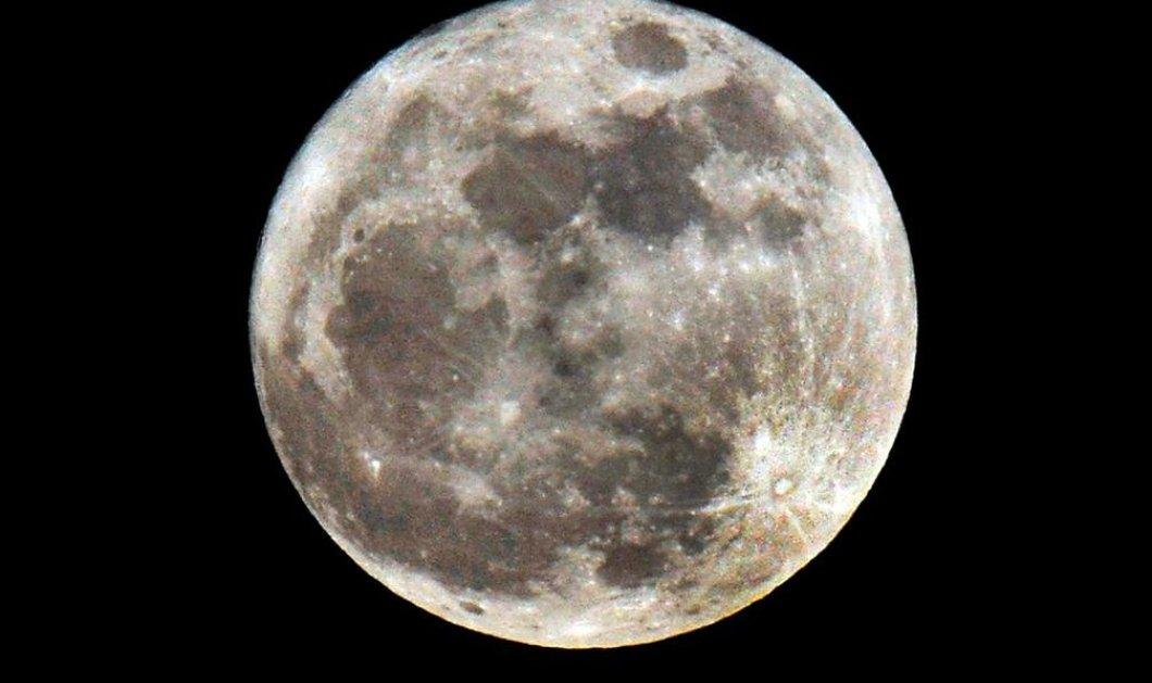Πόσων ετών είναι το φεγγάρι; Δείτε εντυπωσιακές φωτογραφίες   - Κυρίως Φωτογραφία - Gallery - Video