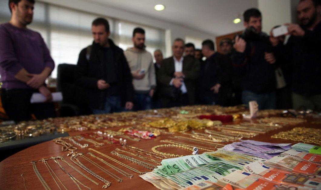 Ιδού οι φωτό & το βίντεο από τα αμέτρητα κοσμήματα που έκλεψε η ''μαφία των Ρομά'' - Κυρίως Φωτογραφία - Gallery - Video
