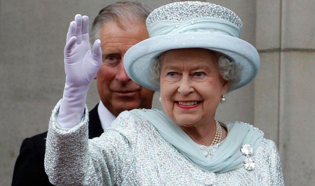 Έγκλημα στο Παλάτι: 2 κύκνοι από τους 12 της Βασίλισσας Ελισάβετ βρέθηκαν νεκροί από σφαίρες  - Κυρίως Φωτογραφία - Gallery - Video