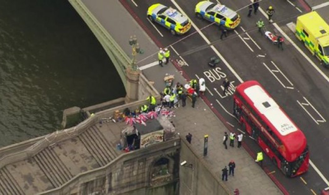 Επίθεση στο Λονδίνο: Η στιγμή που μια γυναίκα πέφτει στο Τάμεση να γλυτώσει τον Μακελάρη  - Κυρίως Φωτογραφία - Gallery - Video