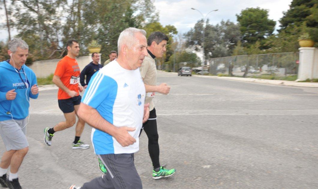 Ο αρχηγός ΓΕΕΘΑ σε άλλο ρόλο - Έτρεξε 5 χλμ και έδωσε το καλό παράδειγμα - Κυρίως Φωτογραφία - Gallery - Video