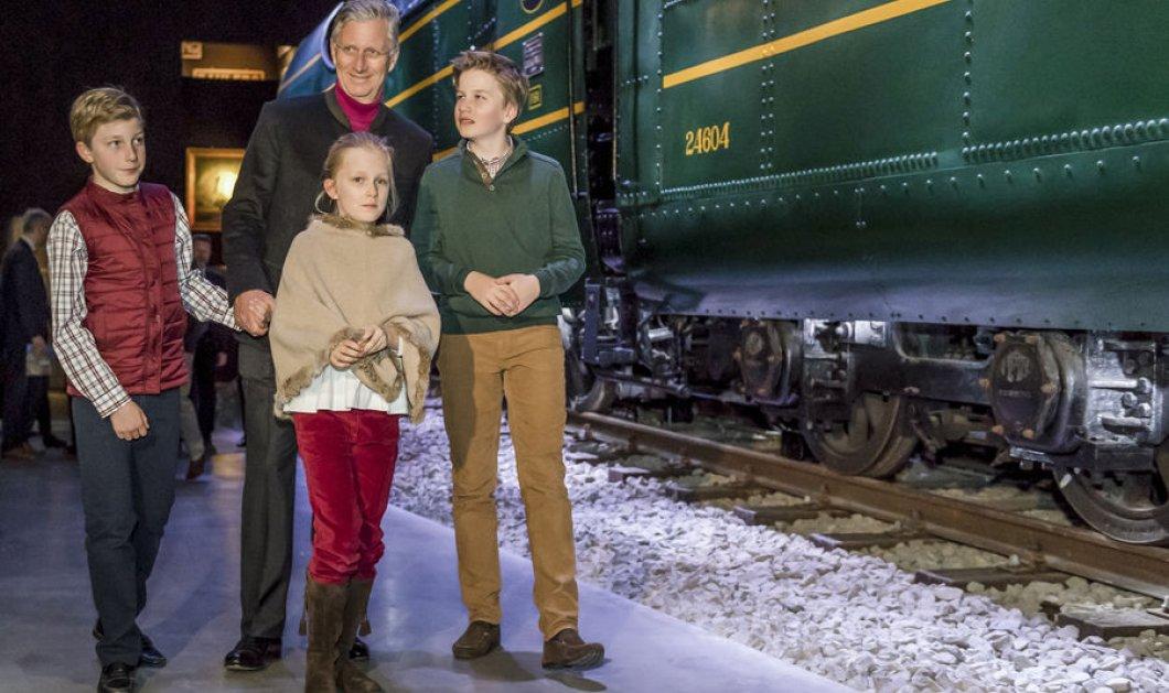 Φώτο: Ο βασιλιάς Φίλιππος με τα τρία μικρά παιδιά του στο Μουσείο του τρένου σε σπάνια σικ εμφάνιση - Κυρίως Φωτογραφία - Gallery - Video