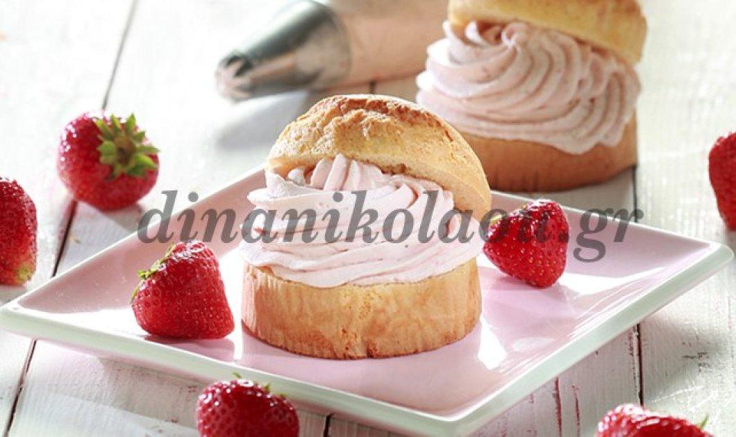 Απίθανο κέικ γεμιστό με ελαφριά κρέμα φράουλας από τη Ντίνα Νικολάου - Κυρίως Φωτογραφία - Gallery - Video