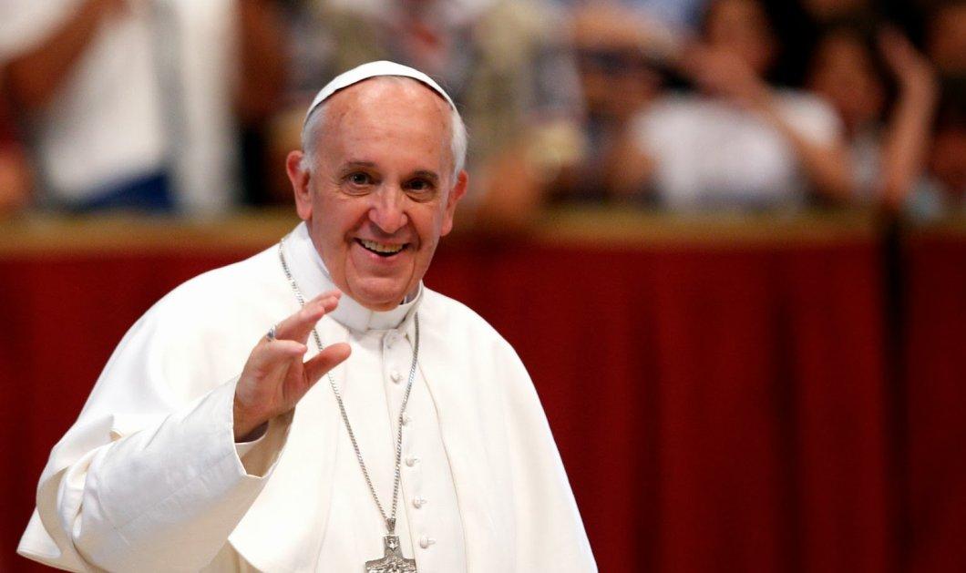 Ο Πάπας Φραγκίσκος έπλυνε τα πόδια 12 μετανοημένων φυλακισμένων μαφιόζων- Φώτο & Βίντεο - Κυρίως Φωτογραφία - Gallery - Video