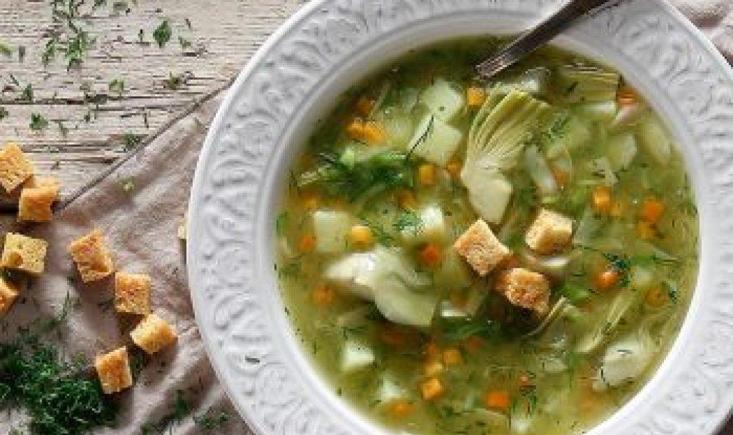 """Εξαίσια σούπα """"α λα πολίτα"""" με αγκινάρες, καρότα & πατάτες από τον μεγάλο chef Χριστόφορο Πέσκια - Κυρίως Φωτογραφία - Gallery - Video"""