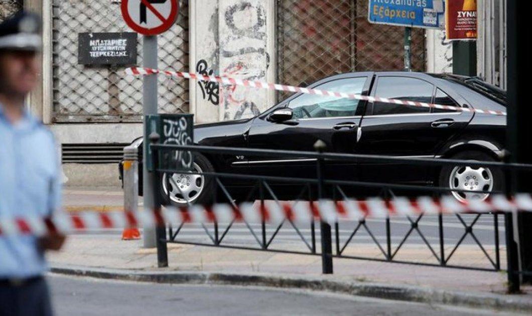 Εικόνες και όλο το χρονικό της τρομοκρατικής επίθεσης κατά του Λουκά Παπαδήμου- Εκτός κινδύνου ο πρώην πρωθυπουργός - Κυρίως Φωτογραφία - Gallery - Video