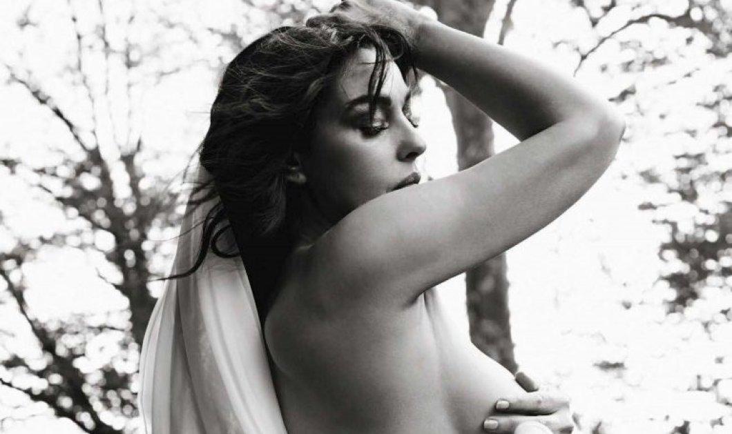 Γυμνή η Μόνικα Μπελούτσι ποζάρει για το ιταλικό Vanity Fair: «Η ηλικία δεν είναι εμπόδιο» -Φώτο - Κυρίως Φωτογραφία - Gallery - Video