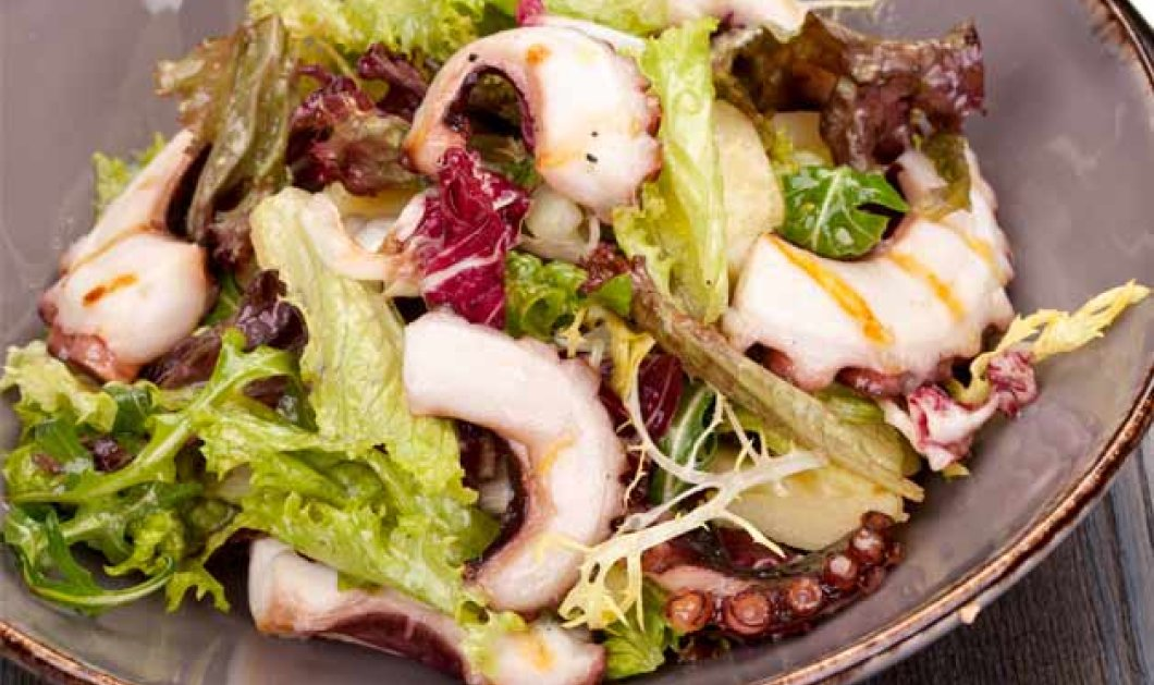 Θαυμάσια πράσινη σαλάτα με χταπόδι και dressing από μουστάρδα και φουντούκι μας προτείνει ο Αλέξανδρος Παπανδρέου - Κυρίως Φωτογραφία - Gallery - Video