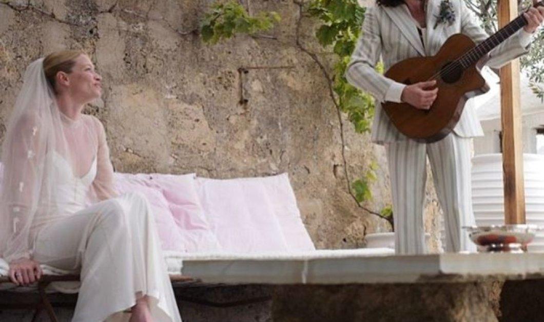 Good news: Στη Ρόδο παντρεύτηκε η Σάρα Γκίλμουρ κόρη του τραγουδιστή των Pink Floyd - Ο μπαμπάς Ντέιβιντ έπαιξε κιθάρα (Φωτό) - Κυρίως Φωτογραφία - Gallery - Video