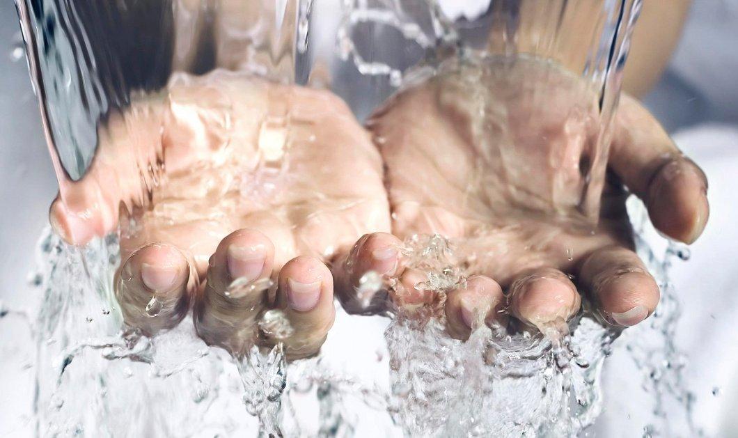 Αυτό το συστατικό που βρίσκεται σε προϊόντα καθαριότητας μπορεί να αλλάξει την άμυνα του δέρματος κατά των βακτηρίων - Κυρίως Φωτογραφία - Gallery - Video