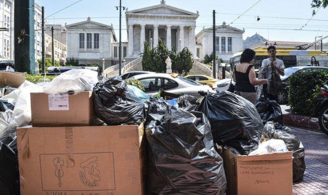 Οι υποσχέσεις του Τσίπρα δεν έπεισαν τους συμβασιούχους - Πνιγμένη η χώρα στα σκουπίδια - Κυρίως Φωτογραφία - Gallery - Video