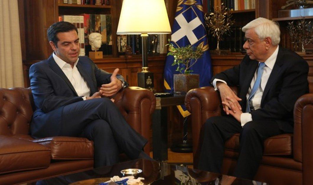 Αλέξης Τσίπρας σε Πρ. Παυλόπουλο: Καθοριστικό βήμα για την έξοδο από την κρίση (Βίντεο) - Κυρίως Φωτογραφία - Gallery - Video