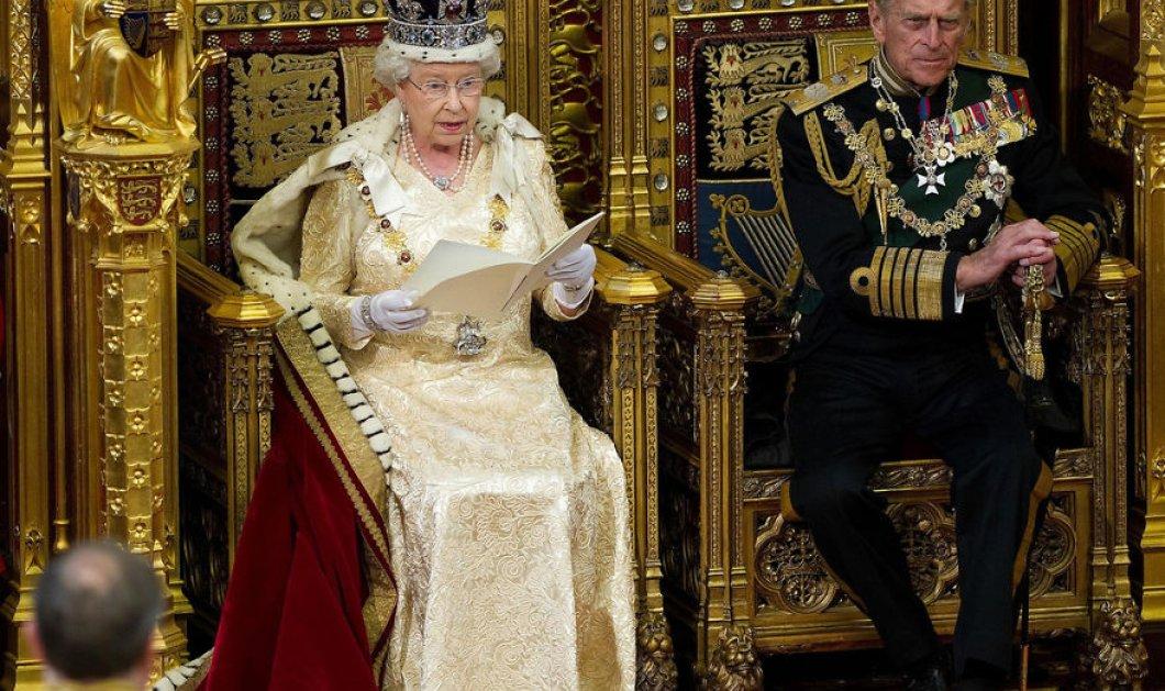 """Φωτό: Η Βασίλισσα Ελισάβετ έχει χιούμορ - """"Τρολάρει"""" την πρωθυπουργό της Βρετανίας για το Brexit (;)  - Κυρίως Φωτογραφία - Gallery - Video"""