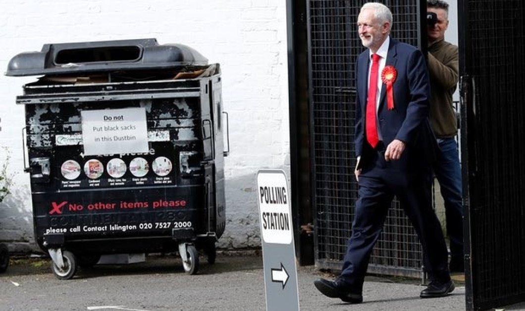 Βρετανικές εκλογές: Ψήφισε και ο επικεφαλής των Εργατικών Τζέρεμι Κόρμπιν (Φωτό) - Κυρίως Φωτογραφία - Gallery - Video