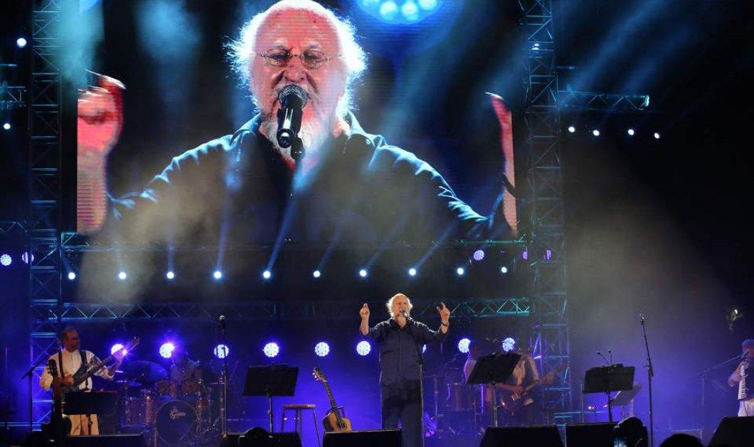 Ο Διονύσης Σαββόπουλος φώτισε και γέμισε τις καρδιές 60.000 ανθρώπων - Το Καλλιμάρμαρο όρθιο στους ήχους του «Νιόνιου»  - Κυρίως Φωτογραφία - Gallery - Video